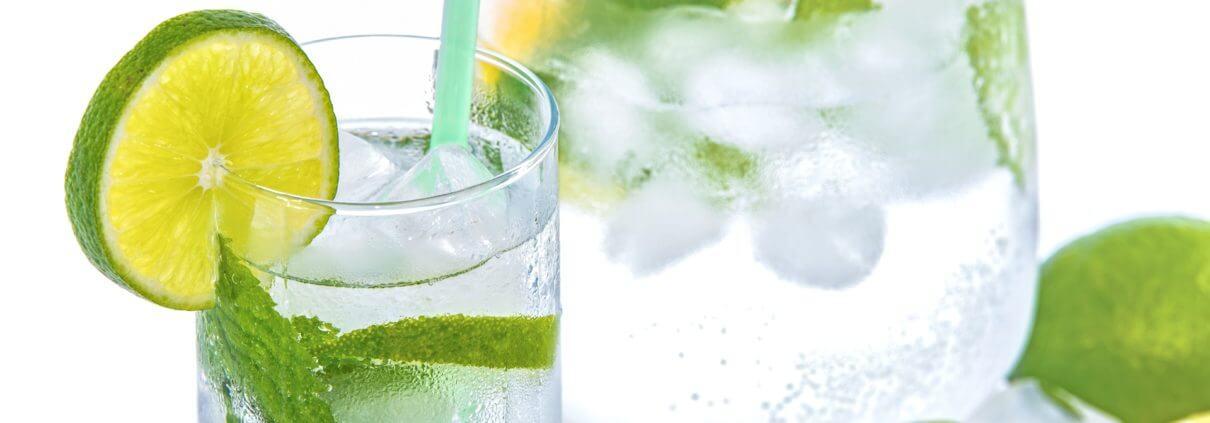 Příprava citronove vody je jednoduchá